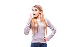 blondes Mädchen, das auf weißen Hintergrund schwankt Lizenzfreie Stockbilder