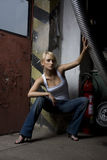 Blondes Mädchen in der Arbeit Lizenzfreie Stockbilder