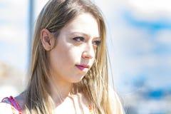 Blondes Mädchen der Mode in Italien Stockbild