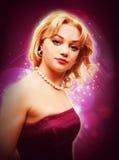 Blondes Mädchen des Shine in der purpurroten Collage stockbilder
