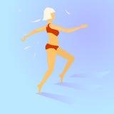 Blondes Mädchen in einem roten Badeanzug, der die Treppe klettert Stockfoto
