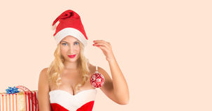 Blondes Mädchen gekleidet als Santa Claus Lizenzfreies Stockbild
