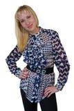 Blondes Mädchen im blauen und weißen Hemd Lizenzfreies Stockfoto