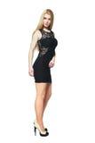 Blondes Mädchen im schwarzen Kleid Lizenzfreie Stockfotos