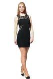Blondes Mädchen im schwarzen Kleid Lizenzfreies Stockbild
