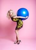 Blondes Mädchen mit Ballonen Stockbild