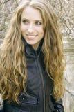 Blondes Mädchen mit dem langen Haar Lizenzfreies Stockfoto