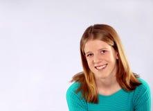 Blondes Mädchen mit Freckles im Studio Lizenzfreie Stockfotografie