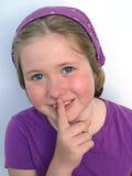 Blondes Mädchen mit großen blauen Augen Stockfotos