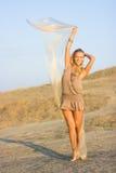 Blondes Mädchen mit Schal Lizenzfreie Stockbilder
