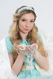 Blondes Mädchen mit Schmuck Lizenzfreies Stockfoto