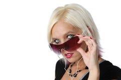 Blondes Mädchen mit Sonnenbrillen Lizenzfreies Stockfoto