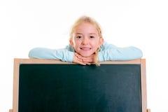 Blondes Mädchen mit Tafel Lizenzfreie Stockfotografie