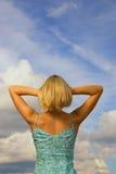 Blondes Mädchen von hinten Stockfotos