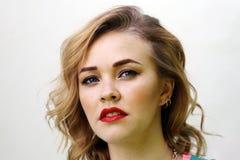 Blondes Mädchenporträt Stockfotografie