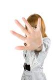 Blondes Mädchenverstecken Lizenzfreies Stockfoto