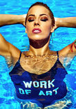 Blondes Modell des sexy heißen schönen Mädchens in der Badebekleidung Stockfotografie