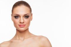 Blondes Modell mit Fachmann bilden Lizenzfreie Stockfotografie