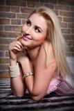 blondes Portrait der jungen Frau Lizenzfreie Stockbilder