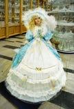 Blondes Puppen-Spielzeug, große Dolly Model Lizenzfreies Stockfoto