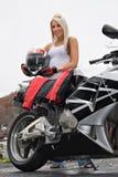 Blondes Radfahrer-Mädchen Stockbild