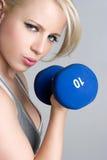 Blondes Trainings-Mädchen Stockfotos
