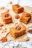 Blondies грецких орехов нутов Стоковые Фото