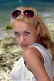 Blondine auf Strand Stockbild