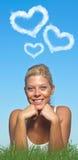 Blondine in der Liebe lizenzfreie stockfotografie