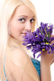 Blondine mit Blendenblumen Lizenzfreie Stockbilder