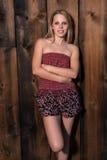 Blondine mit bloßen Schultern Stockfotos