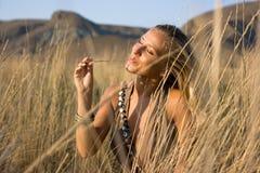 Blondine mit Stroh Lizenzfreies Stockfoto