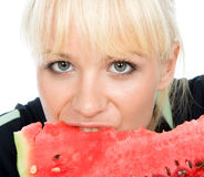 Blondy hållwater-melon Royaltyfria Foton