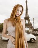 blondyn dziewczyna smokingowa elegancka fotografia royalty free