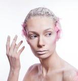 Blondyn mody kobieta z menchiami stawia czoło sztukę Obraz Royalty Free