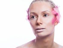Blondyn mody kobieta z menchiami stawia czoło sztukę Obrazy Royalty Free