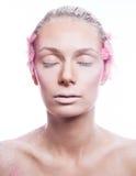 Blondyn mody kobieta z menchiami stawia czoło sztukę Obraz Stock
