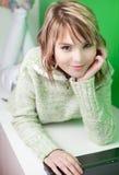 Blondynka ładny młody student collegu obrazy stock