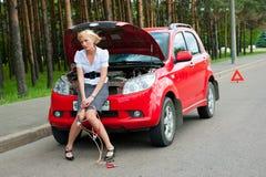 blondynka łamający samochód Obraz Stock