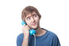 Blondynka facet na telefonie zdjęcia royalty free