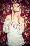 Blondynka hipisa kobieta Zdjęcia Royalty Free