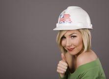 blondynka mocniej kapeluszu kciuki w górę zdjęcie stock