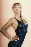 blondynki dziewczyna patrzeje ładnego dobro ładny Zdjęcia Royalty Free