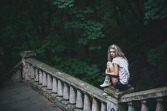 Kobieta w naturze Zdjęcie Royalty Free