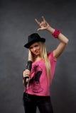 blondynki dziewczyny mikrofonu potomstwa Zdjęcia Royalty Free