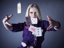 blondynki kart popielaty bawić się rozprasza fiołka Zdjęcia Royalty Free