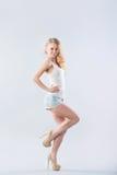 Blondynki kobieta w długim fotografia stock