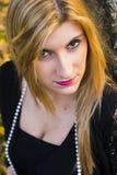 Blondynki kobieta z brown oczami fotografia stock
