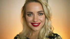 Blondynki kobieta z wieczór makeup zbiory