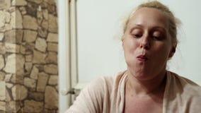Blondynki kobiety łasowanie zdjęcie wideo